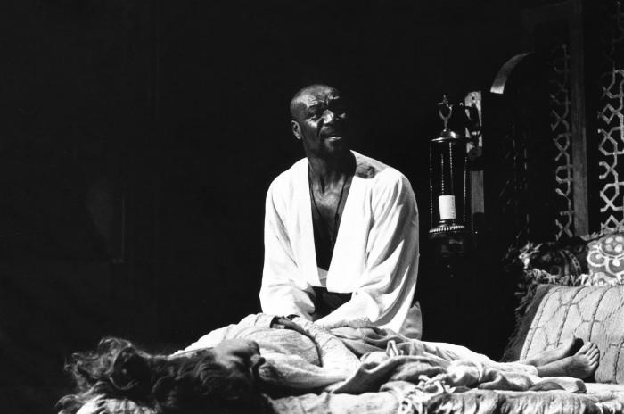 Othello.murder